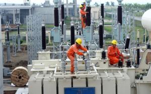 Thị trường - Tiêu dùng - Giá xăng, dầu, điện  phải theo thị trường