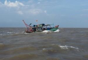 """Tin tức Việt Nam - Một thuyền viên tàu cá mất tích """"bí ẩn"""" trên biển"""