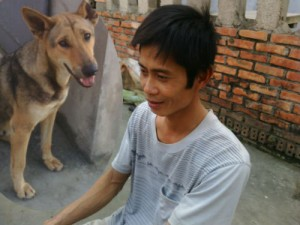 Bạn trẻ - Cuộc sống - Chú chó trộm thịt lợn mang về cho chủ nghèo ở Thanh Hóa
