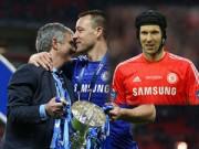 """Bóng đá - HLV Mourinho công khai giữ Terry, """"đuổi"""" Petr Cech"""
