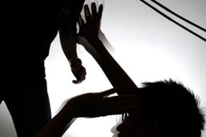 An ninh Xã hội - Con trai đánh chết cha ruột vì bị... ngăn cản uống rượu