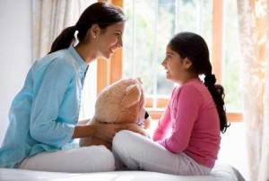 Sức khỏe đời sống - Khi nào cần cho bé đi khám vì dậy thì sớm?