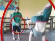 """Thể thao - Tái mặt: Nữ sinh bắn cung vào """"chỗ hiểm"""""""