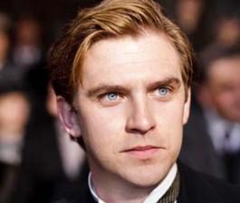 """Quái vật của """"người đẹp"""" Emma Watson đã lộ diện"""