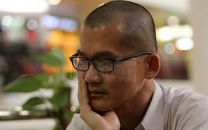 Tin tức trong ngày - 1 năm MH370: Những ông bố một mình chăm con
