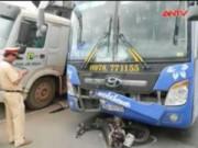 Video An ninh - Lâm Đồng: Xe chở gỗ lậu gây tai nạn chết người