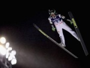 """Thể thao - Bay 250m, """"Người dơi"""" lập kỷ lục trượt tuyết mới"""