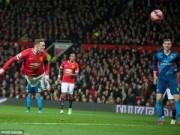 Bóng đá Ngoại hạng Anh - Rooney bay người đánh đầu đẹp như Persie