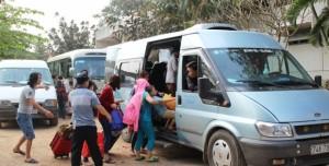 Tin tức Việt Nam - Tàu đâm đứt đôi xe tải: Lời kể hành khách thoát nạn
