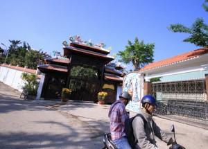 Tin tức Việt Nam - Đại gia vàng chưa chịu tháo dỡ biệt phủ 100 tỷ