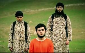 """Video: Chiến binh nhí hành quyết """"gián điệp"""" Israel"""