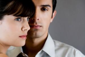 """Tình yêu - Giới tính - Chồng tôi """"ngoan"""" hẳn khi nhà có cô ô sin trẻ"""