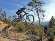 Tin tức thể thao - Thót tim xem cuộc đua xe đạp mạo hiểm cùng GIANT