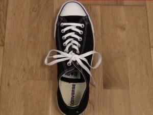 Thời trang - Mẹo buộc dây giày chỉ trong tíc tắc