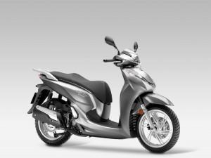 Ô tô - Xe máy - Cận cảnh chiếc Honda SH 300i 2015
