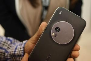 Điện thoại - Trên tay chiếc Asus Zenfone Zoom mới