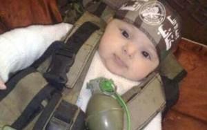 Tin tức trong ngày - Chiến thuật mới của IS: Biến cả trẻ sơ sinh thành chiến binh