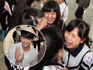 Sao ngoại-sao nội - Fan Việt òa khóc hạnh phúc vì được gặp sao Hàn