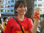 Bóng đá - Fan nữ Sài Gòn quá yêu các cầu thủ U23 Việt Nam