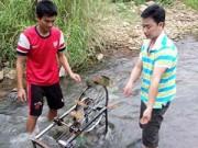 Giáo dục - du học - Máy bơm nước không cần điện của học sinh vùng cao