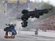 Đua xe F1 - Gặp nạn ở vận tốc 450 km/h vẫn thoát chết thần kỳ