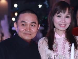 """Clip Xuân Hinh hát chèo """"chế"""" mừng cô dâu Thanh Thanh Hiền"""
