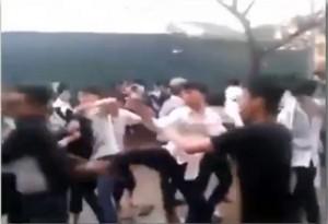 """Giáo dục - du học - Clip: Học sinh Hà Nội """"dàn trận"""" đánh nhau"""