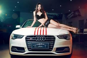 Ảnh người đẹp và xe - Siêu mẫu sexy đọ sắc bên xe Audi