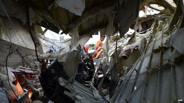 Ngừng tìm kiếm nạn nhân thảm họa AirAsia QZ8501