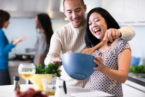 Bạn trẻ - Cuộc sống - 5 cách khiến người đàn ông của bạn làm việc nhà