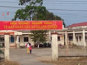 An ninh Xã hội - Mang xăng tới ủy ban dọa đốt, đòi tiền cán bộ xã