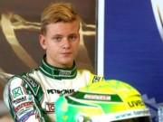 Thể thao - Con trai Michael Schumacher gặp tai nạn đua xe