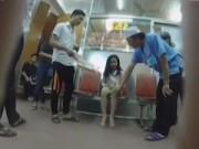 Video An ninh - Camera giấu kín: Khi em bé bán rong nhập viện