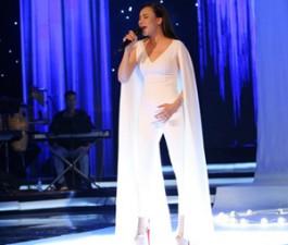 Ca nhạc - MTV - Hồ Quỳnh Hương khoe vóc dáng trẻ trung