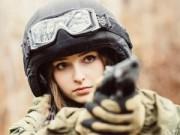8X + 9X - 9x Nga đẹp mê hoặc trong trang phục lính