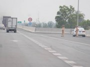 """Tin tức Việt Nam - CSGT """"được phép"""" dừng xe vi phạm trên đường cao tốc"""