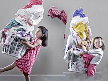 Thời trang - 10 mẹo tẩy vết bẩn, chữa giày chật cho tủ đồ của bạn