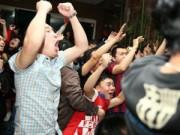 Bóng đá Việt Nam - Fan Barca thức trắng đêm ăn mừng chiến thắng