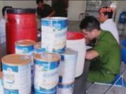 Thị trường - Tiêu dùng - Phát hiện cơ sở sản xuất sữa giả nhãn hiệu nổi tiếng