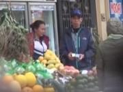 Thị trường - Tiêu dùng - Khi tiểu thương được mời mua hóa chất độc tẩm hoa quả