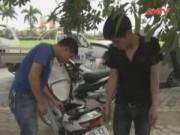 Bản tin 113 - Đụng chốt 114, tên trộm vứt xe máy bỏ chạy trên đại lộ