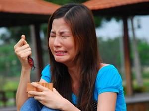 """Phim - Diễm My 9x hoảng loạn vì bị """"cướp gí dao vào cổ"""""""