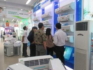 Thị trường - Tiêu dùng - Thiết bị tiết kiệm năng lượng đắt khách vì giá điện tăng