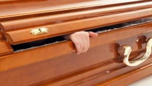 Phi thường - kỳ quặc - Cụ bà 92 tuổi sống lại sau khi được cho vào quan tài