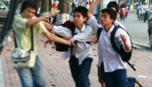 Giáo dục - du học - Bạo lực học đường, người lớn ở đâu?