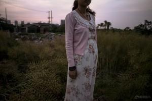 Bạn trẻ - Cuộc sống - Bộ ảnh chân thực về cuộc sống của những bà mẹ đơn thân