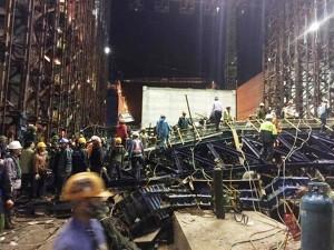 Tin tức trong ngày - Clip: Hiện trường vụ sập giàn giáo, 14 người chết