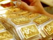 Tài chính - Bất động sản - Vàng giảm nhẹ, USD và giá dầu thô leo dốc
