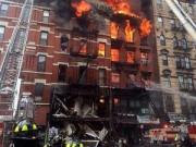 Video An ninh - Mỹ: Nổ khí ga, 3 chung cư đổ sập