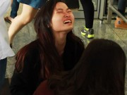 8X + 9X - Khóc ngất khi gặp sao Hàn: Thì sao?